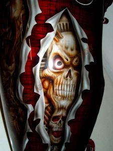 Geiger And Skulls Custom Paint 567