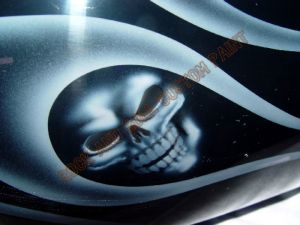 Geiger And Skulls Custom Paint 594